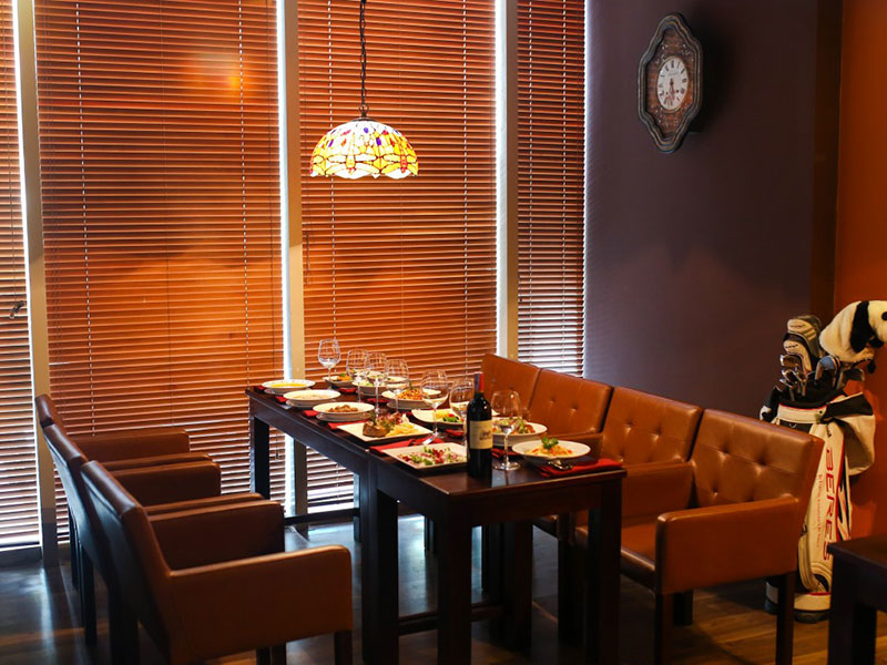 Paula's Wines - Nhà hàng phong cách Âu tinh tế tại Hà Nội