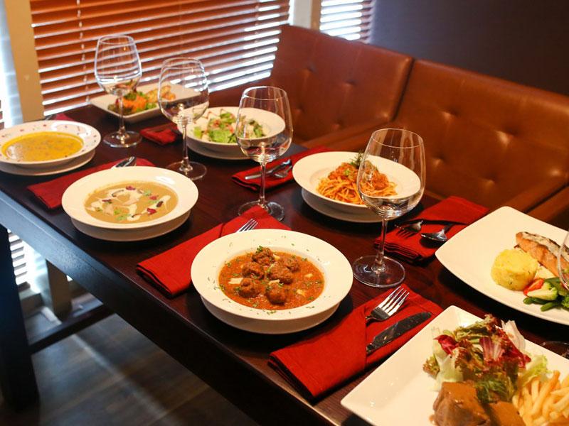 Thực đơn độc đáo với các món ăn đặc trưng châu Âu của Paula's Wines được lựa chọn kỹ lưỡng cho các dòng rượu